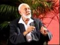 Sheikh Ahmed Deedat In The Spot Light (5/13