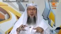 Does looking around nullifies salah - Sheikh Assim Al Hakeem